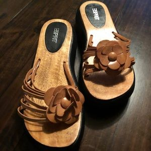 Esprit wood and leather combo of comfort sandal